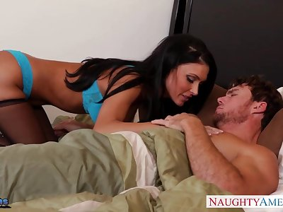 Broad in the beam tittied woman Jessica Jaymes is fucked hard by esurient sweetheart adjacent to Broad in the beam phallus