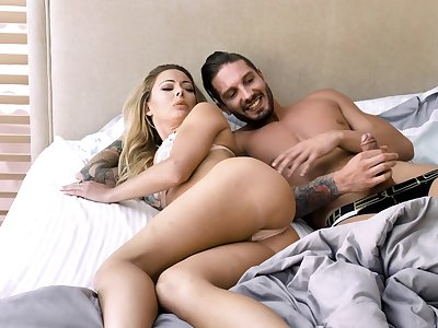Isabelle Deltore adores doggy style after a blowjob on the dumfound