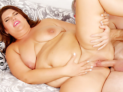 Fat Brunette Mommy Danni Dawson Has Her Pussy Pounded Hard overwrought a Grandpa