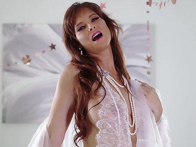 Truly hot Syren De Mer teaser movie