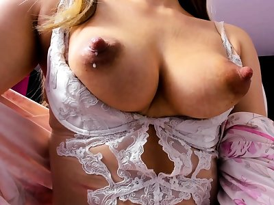 Sexy milf show you her pussy and masturbate encircling