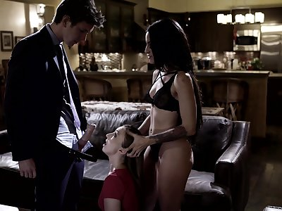 Unforgettable triumvirate sex with two fucking awesome babes