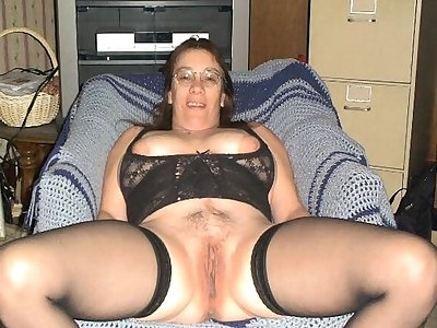 ILoveGranny Homemade Pics Of Well Aged Cougars